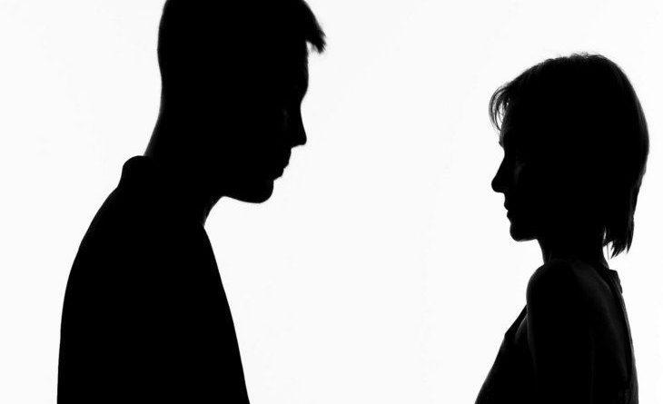हनीमून के दौरान पति की हरकतें देखकर महिला को आ गया गुस्सा